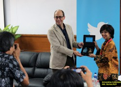 Twitter Cooperated with Universitas Indonesia