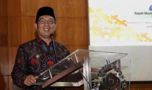 Ridwan Kamil Ajak Mahasiswa UI Berpikir Kreatif