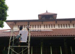 Masjid UI Kini Gunakan Panel Surya Sebagai Sumber Listrik