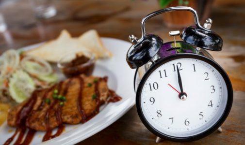 3 Kunci Berpuasa Sehat: Asupan Makanan, Keteraturan, & Pengendalian Diri