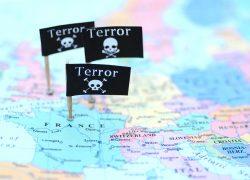 """Memahami Bahaya """"Cerita Tunggal"""" dalam Pembentukan Stereotip Terorisme"""