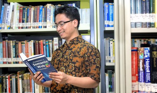Peneliti Indonesia Pertama Peraih SWSA Distinguished Dissertation Award