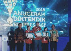Dosen & Tendik UI Terima Anugerah Diktendik Berprestasi