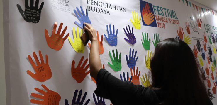Melihat Pentingnya Bahasa Isyarat dalam Pencerdasan Orang Tuli