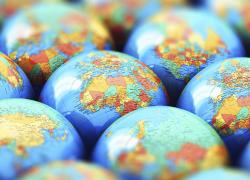 Geografi Ekonomi Baru : Mendayung di Antara Dua Pulau