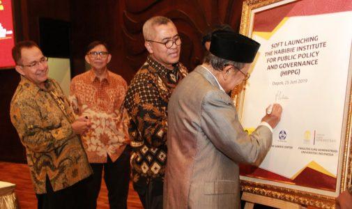 Fakultas Ilmu Administrasi UI Luncurkan Habibie Institute for Public Policy and Governance