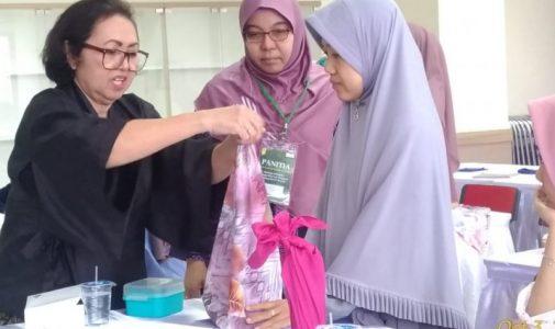 Vokasi UI Canangkan Program Pengganti Kantong Plastik 'Furoshiki'